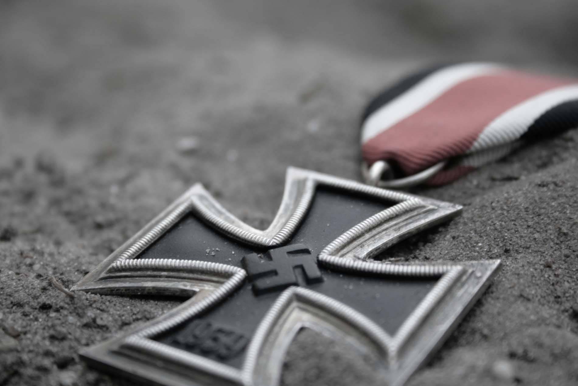 """Vječni ratovi u zemlji """"antifašista"""""""